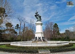 estatua18