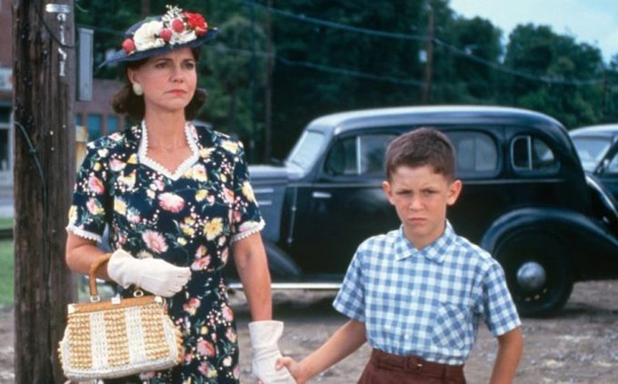 H8 forrest_gump_Sally_Field